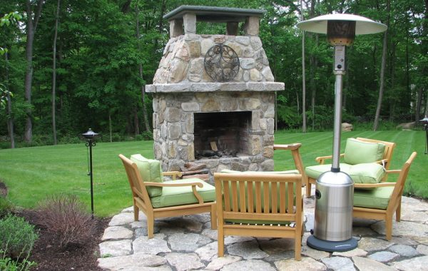 Stone Fireplaces, Fire Pits and Outdoor Kitchens